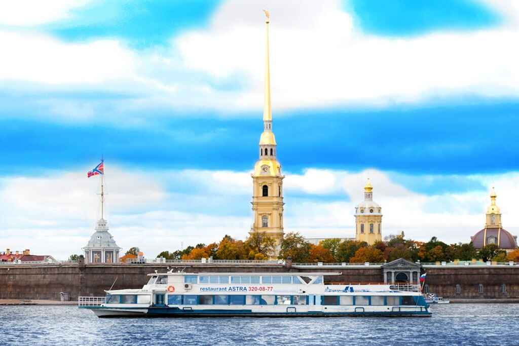 : Boats on rivers and canals of Saint-Petersburg tours and excursions | St. Petersburg CityPass card, Фото 4