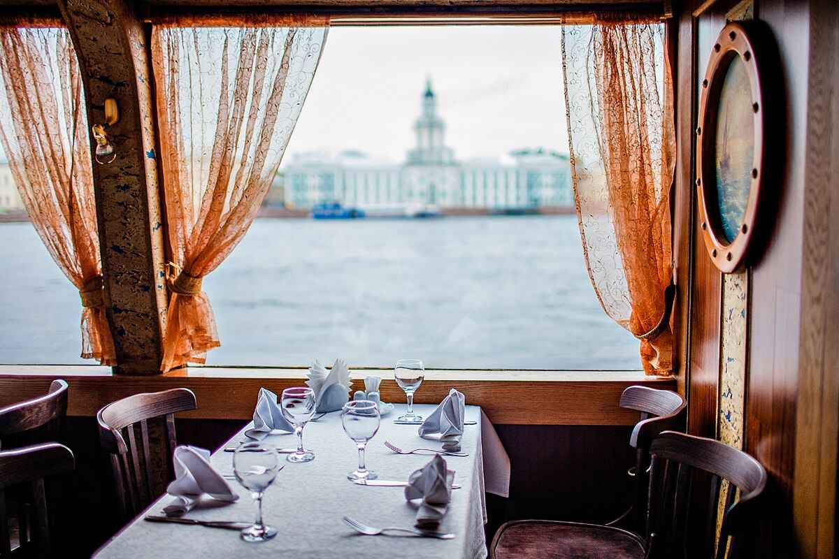 : Boats on rivers and canals of Saint-Petersburg tours and excursions | St. Petersburg CityPass card, Фото 10