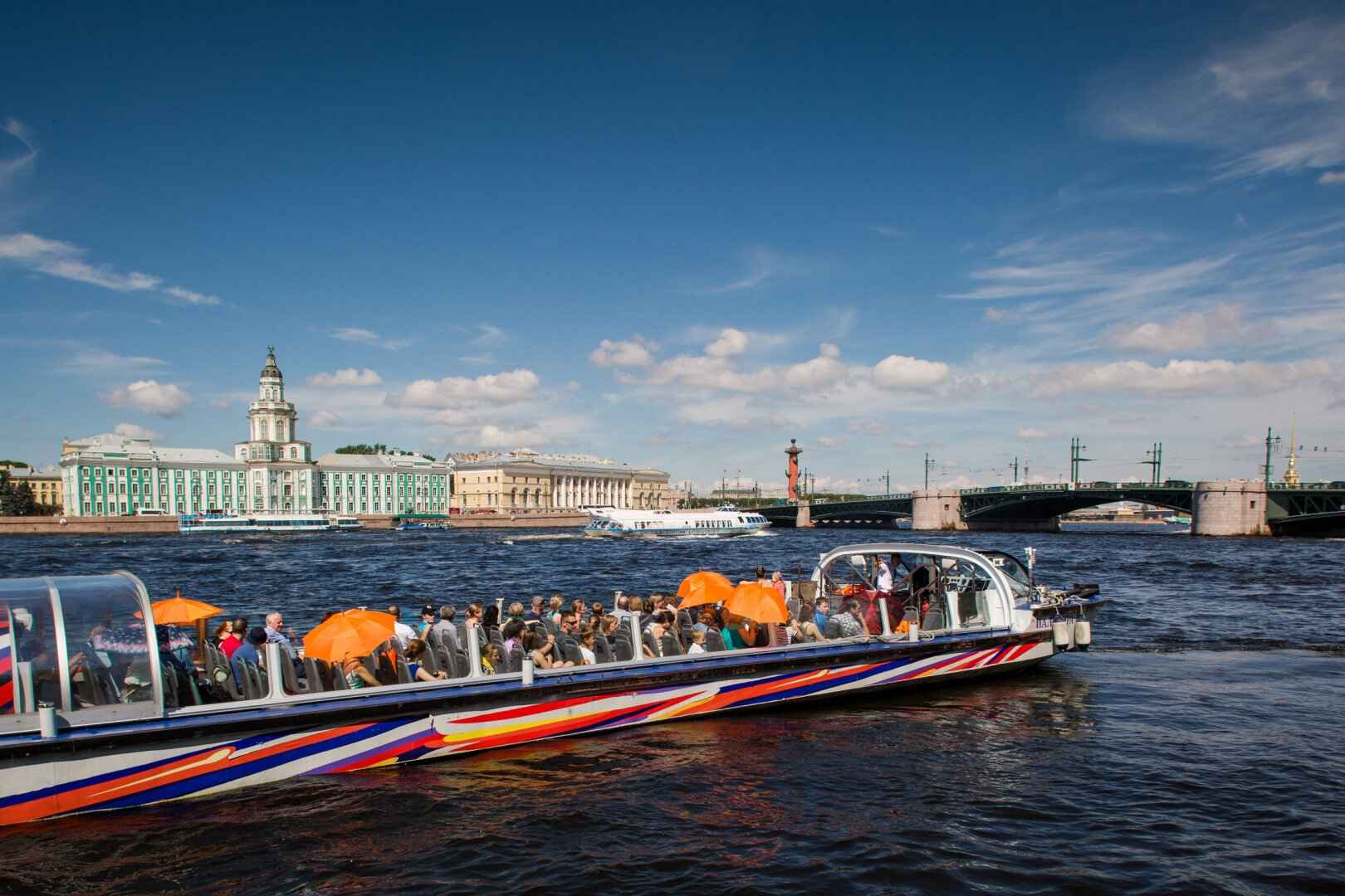 : City Sightseeing Neva. Paseos en barco en San Petersburgo, Фото 4