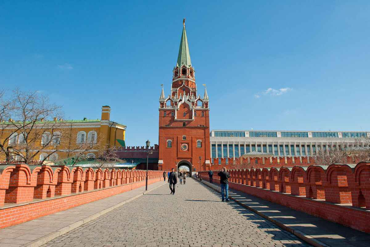 : The Moscow Kremlin - tickets to the Moscow Kremlin towers buy price visit schedule, Фото 1