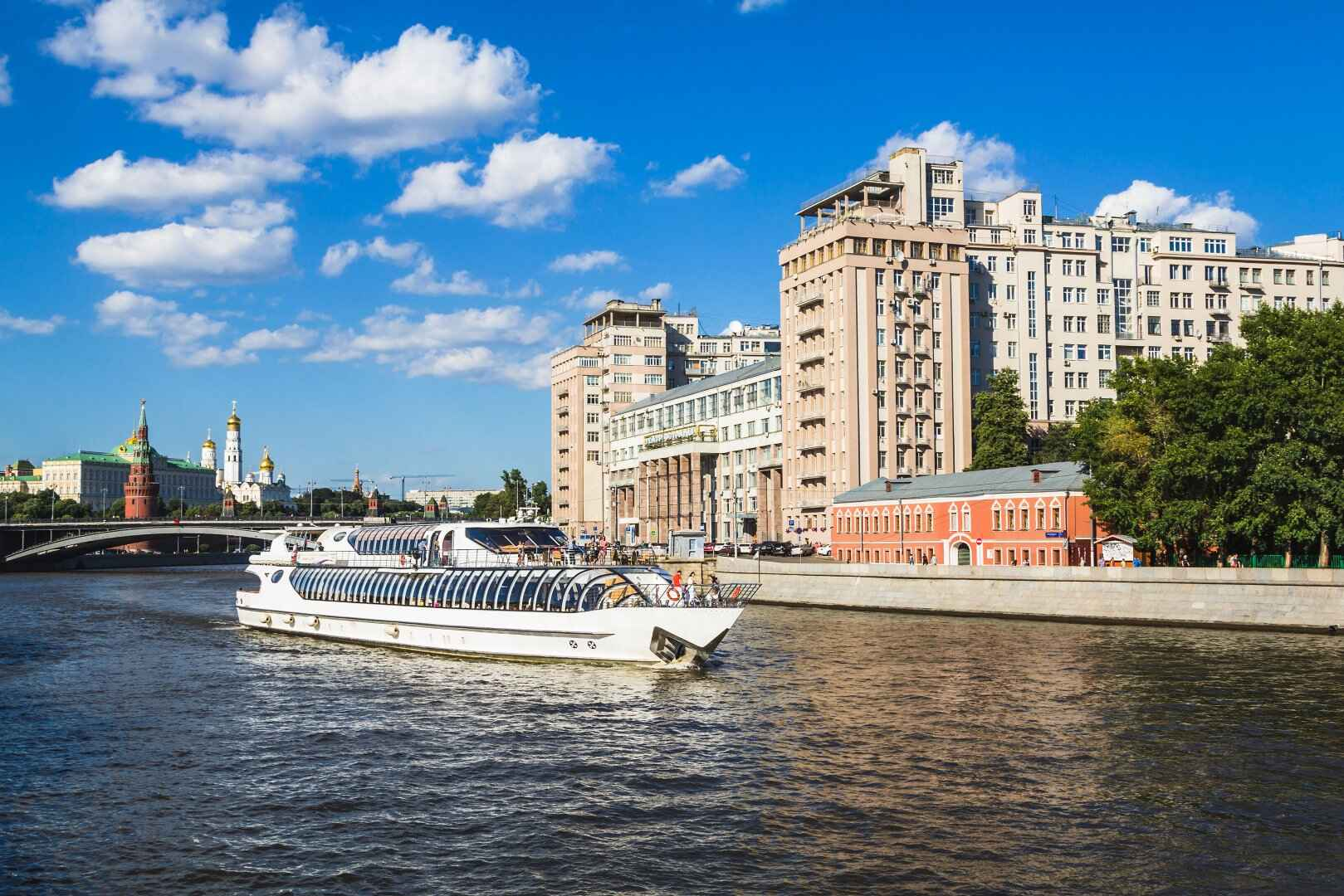 : Moscow walks-recreational boat Radisson | Map the Moscow city pass, Фото 4