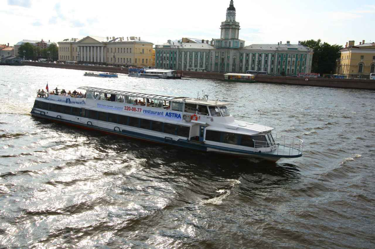 : Boats on rivers and canals of Saint-Petersburg tours and excursions | St. Petersburg CityPass card, Фото 5